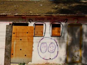 סיפורי בתים 4